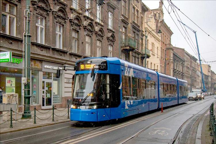 tramway Stadler Cracovie