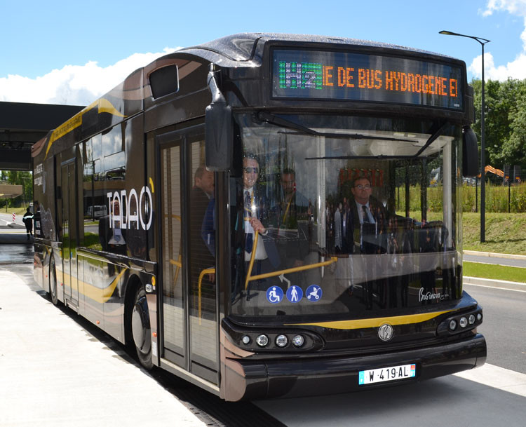 Bus Safra et Symbio, Businova