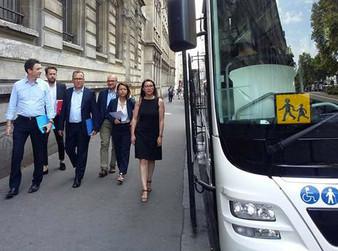 Autocar dans Paris : faire œuvre de pédagogie