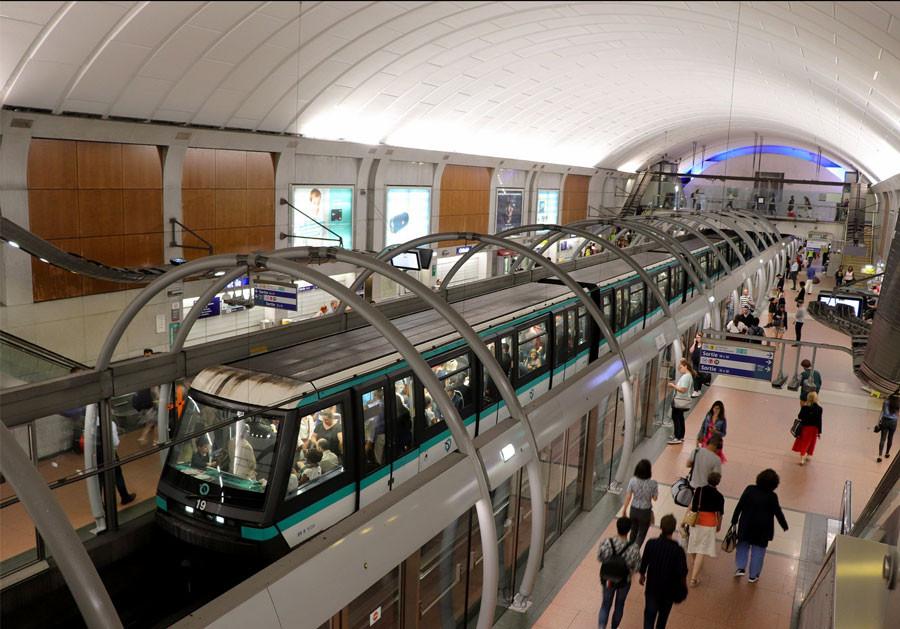Métro Paris Gare de Lyon test IA