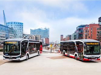 MAN livre les premiers bus électriques à Hambourg