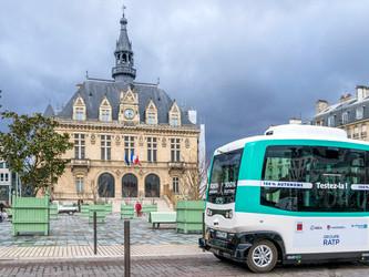 Vincennes : la navette autonome entre dans la ville