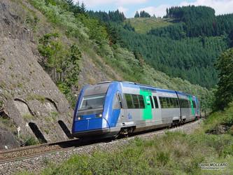 La région Auvergne-Rhône-Alpes et Railcoop relancent les X 72500