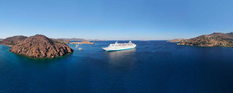 Celestyal Cruises signe avec Versonix