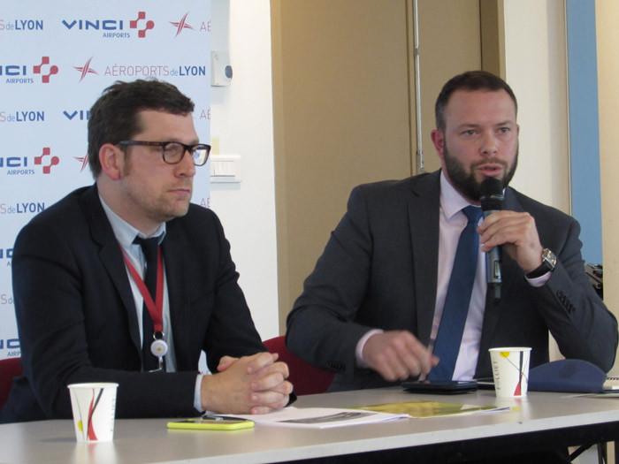 Tanguy Bertolus, président du directoire (à g.), et Cédric Fechter, directeur général d'Aéroports de Lyon.