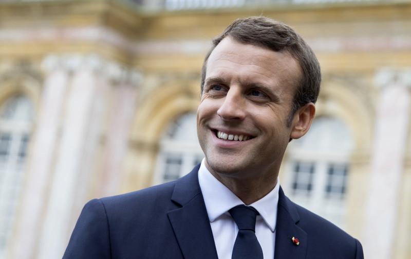 """Emmanuel Macron veut """" garder le cap """""""