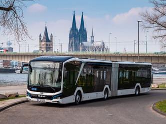 Un bus articulé électrique MAN en circulation à Cologne