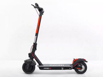 Ducati lance une gamme de trottinettes électriques