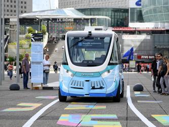 Navette autonome : Paris La Défense dresse un bilan négatif