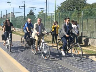 Bobigny expérimente une piste cyclable solaire