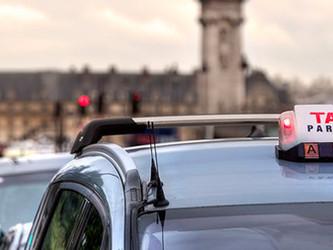 Les taxis parisiens veulent défendre leur part de chaussée