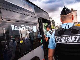 Ile-de-France : les gendarmes sécurisent les bus