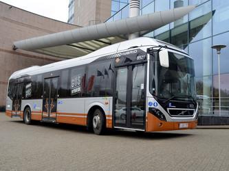 Bruxelles commande 128 bus hybrides à Volvo