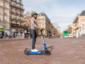 Trottinette électrique en libre-service à Saint-Quentin- en-Yvelines d'ici 2021