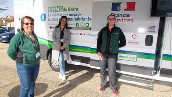 A Chasse-sur-Rhône, les PIMMS prennent l'autobus