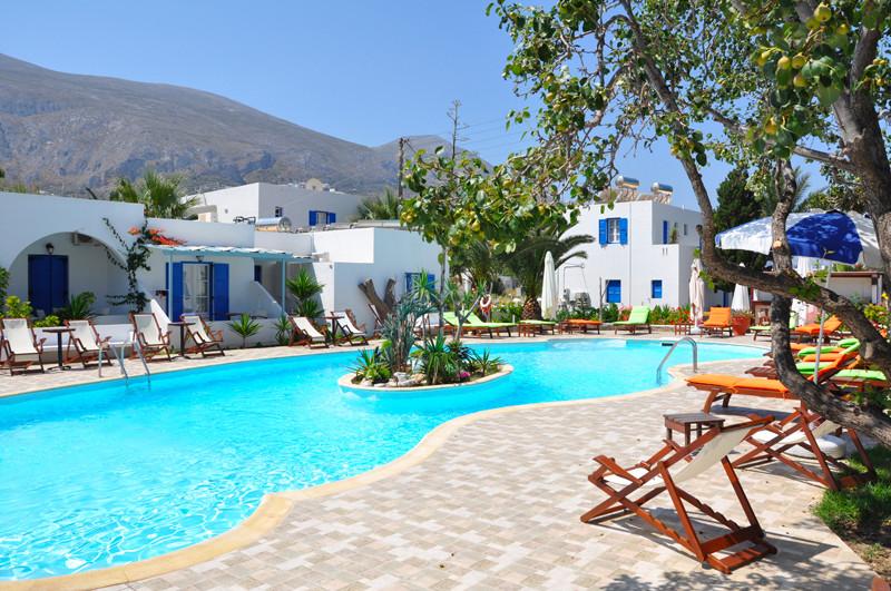 Club Héliades, Lakki Village (Cyclades)