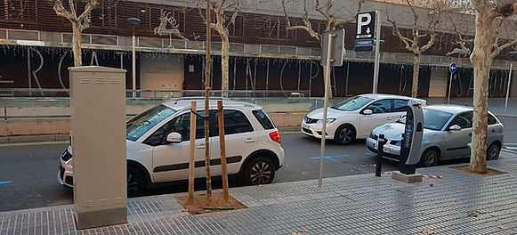 monolito recarga vehículos