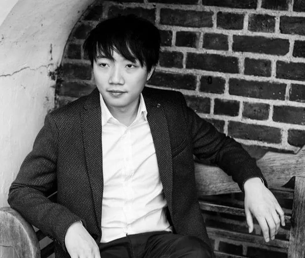 Piano lessons in Battersea | Encore Music Tuition | Raymond Yiu