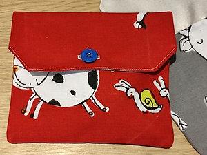 pochette à goûter vaches rouge