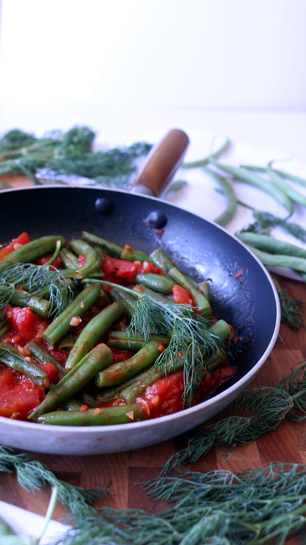 Green Beans with Tomatoes and Fresh Dill