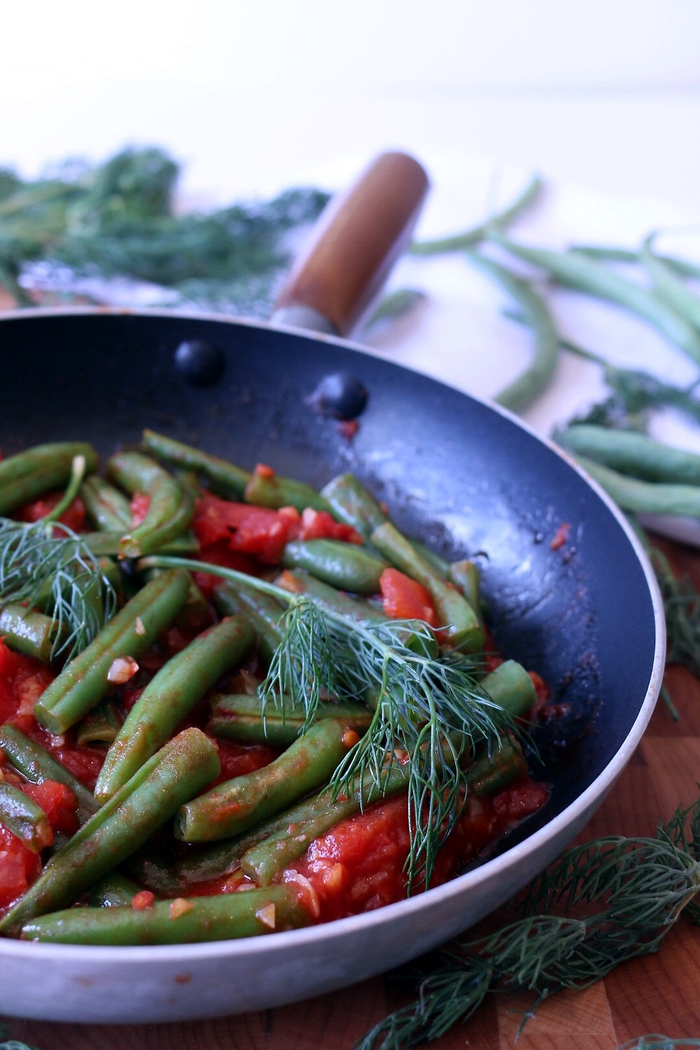 Green Beans with Tomato Sauce and Fresh Dill