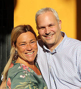 Owners Katlijn and Bart Hola Valencia Holiday Apartments