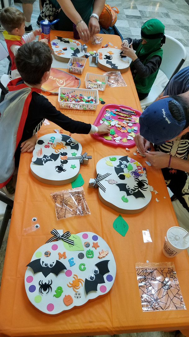 Kids Halloween Craft with Megan Jewel De
