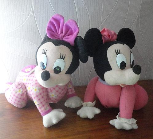 Lot de 2 bébés trotteurs Minnie Mouse Disney . Peluches interactives .
