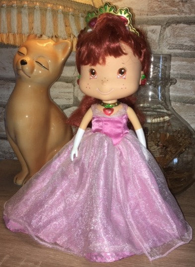 Poupée Dolls princesse Charlotte aux fraises princess Strawberry shortcake