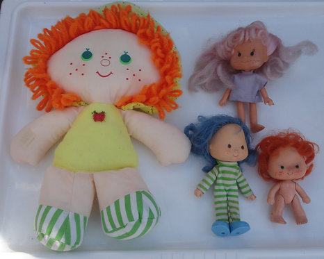 Charlotte aux fraises Strawberry shortcake Vintage Poupées dolls .