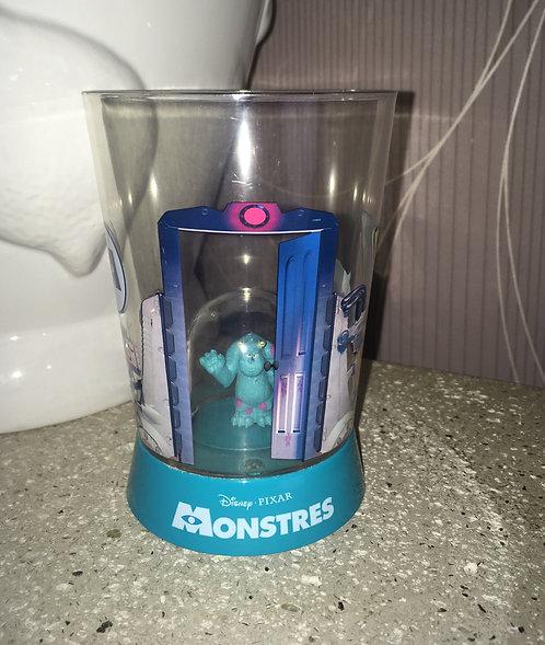 Verre Disney Pixer Monstre et cie compagine avec figurine .