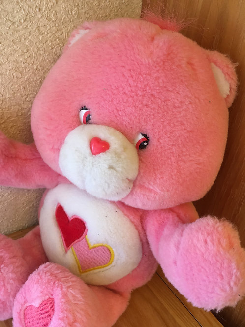 Adorable et tout doux bisounours. Carebears Love-a-lot Bear / Groschéri .