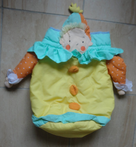 Range pyjama clown enfant .