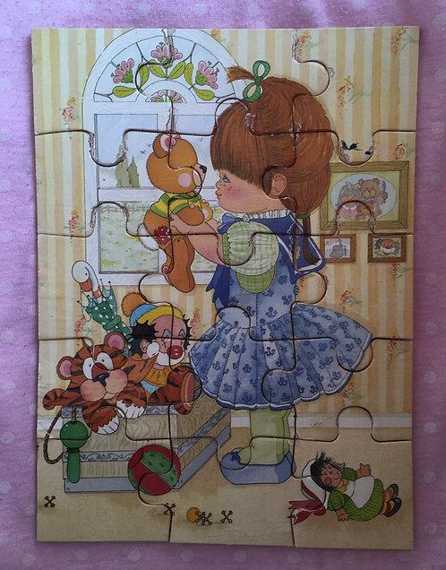 Puzzle en bois enfant, petite fille . Illustration vintage .