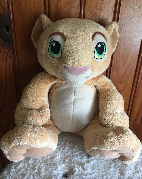 Peluche Disney. Nala du dessin animé le roi lion . The lion king .