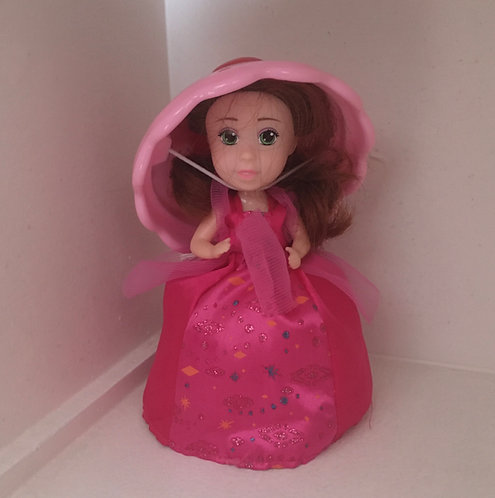 Poupèe Dolls Cupcake surprise .