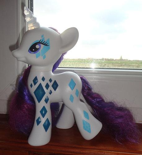 Mon petit poney My little pony rarity lumineuse .