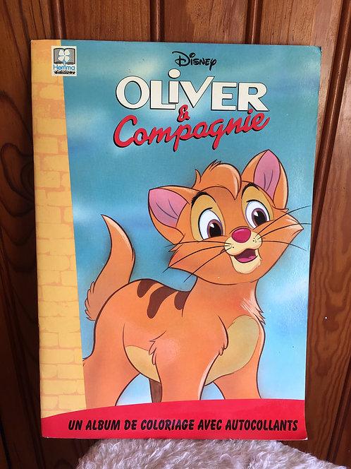 Oliver & compagnie . Livre Disney coloriages et autocollants neuf !