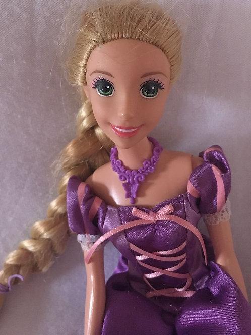 Poupée Disney Raiponce Style Barbie .