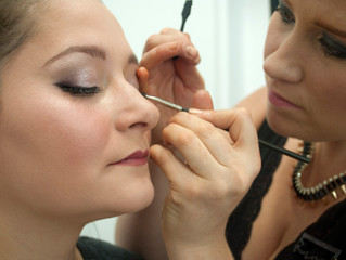 Choose the best bridal makeup for your skin tone