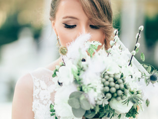 Look Breathtaking with an Elegant Bridal Updo