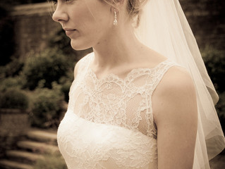 Choose the best accessories to accompany your wedding dress style