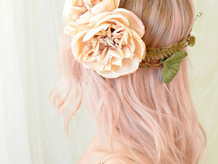 Create your bridal hairstyle to complement your wedding season