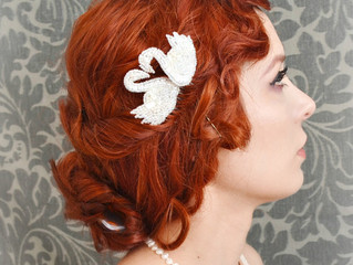 Add elegance to your bridal look with these hair accessories!