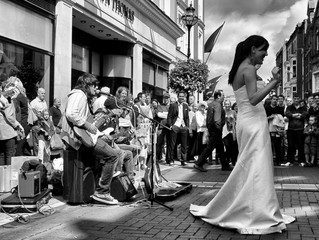 Top reasons why a wedding band is better than a DJ