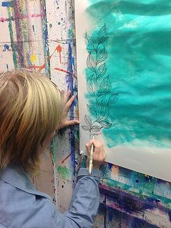 Ausdrucksmalen für Erwachsene im offenen Atelier