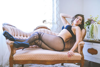 boudoir photos, boudoir photography, nicophotostudio, sexy boudoir, orange county boudoir photographer, lingerie, vintage sofa