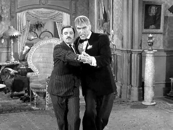 gomez-teaches-lurch-the-tango.jpg