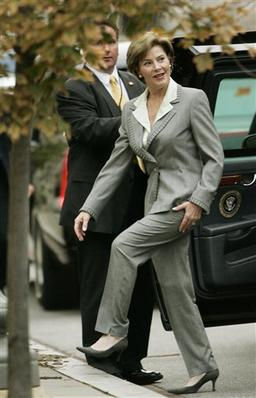 Laura Bush pants suit.jpg