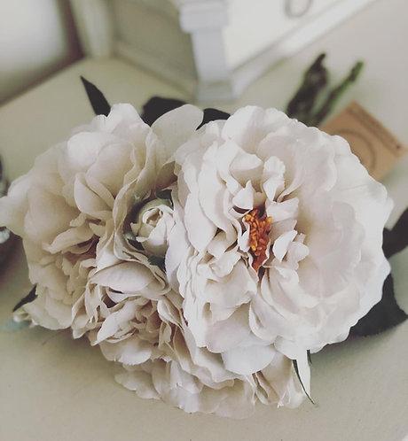 Grey White Short Stem Rose Bouquet